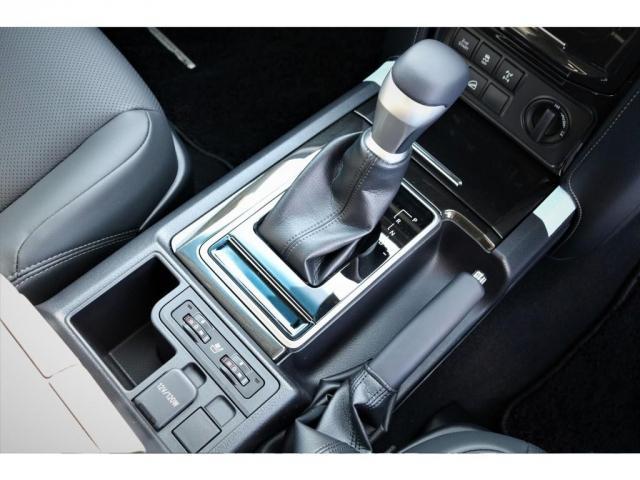 TX Lパッケージ・ブラックエディション 特別仕様車ブラックエディション 2800cc ディーゼルターボ 5人乗り 新車未登録 9インチナビ&バックカメラ&ETC 本革パワーシート 専用ルーフレール 専用エクステリア 専用アルミホイール(8枚目)