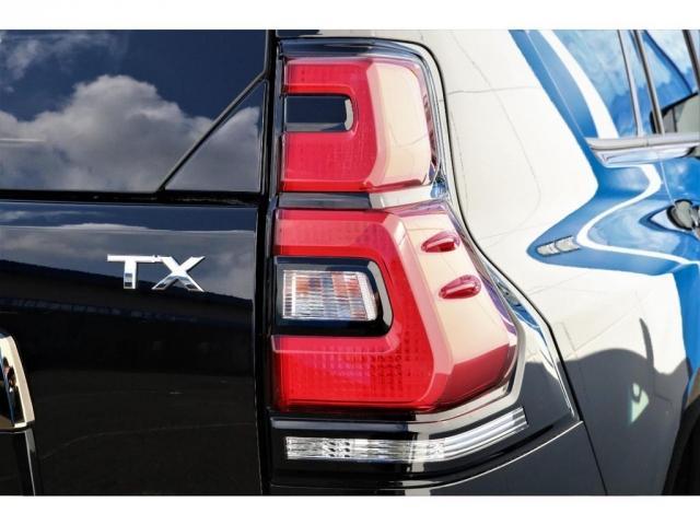 TX Lパッケージ・ブラックエディション 特別仕様車ブラックエディション 2800cc ディーゼルターボ 5人乗り 新車未登録 9インチナビ&バックカメラ&ETC 本革パワーシート 専用ルーフレール 専用エクステリア 専用アルミホイール(13枚目)