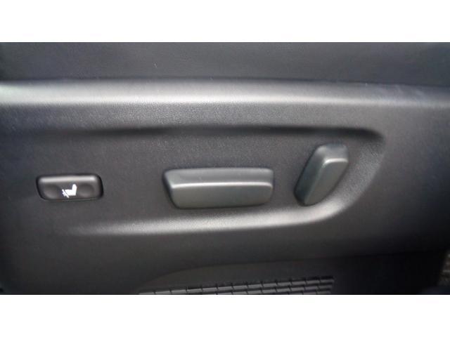 ZR 4WD 両側パワースライドドア(23枚目)