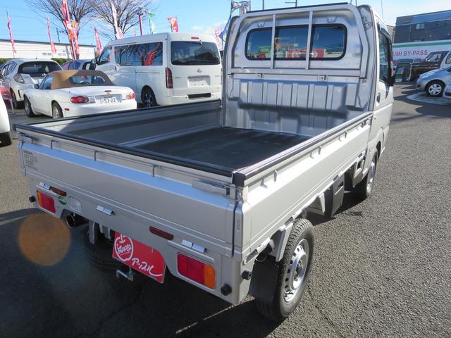 日産 NT100クリッパートラック DX 4WD リアリーフ増し 冬タイヤ付き