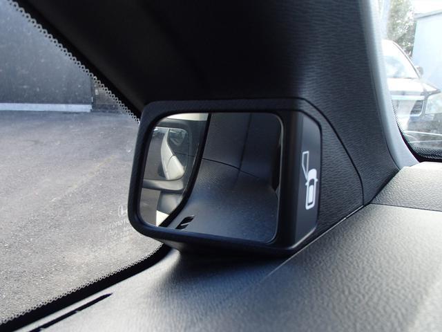 Z 両側パワスラ スマートキー HDDナビ TV HIDヘッドランプ ETC ポップアップシート サードシート格納(15枚目)