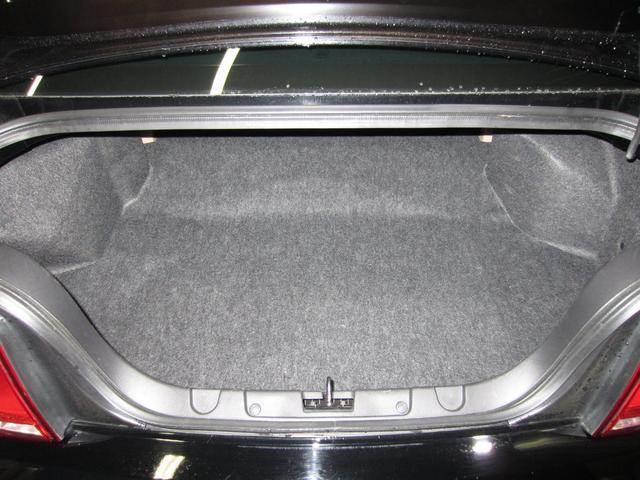 V6 プレミアム 社外HDDナビ フルセグTV 社外セキュリティシステム 純正17インチAW クルーズコントロール バックカメラ ETC キーレス(17枚目)