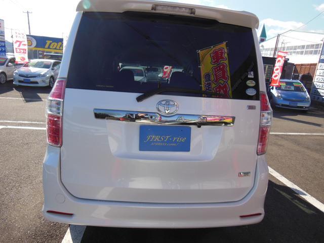 トヨタ ノア Si  ナビ・バックカメラ・フリップダウンモニター・ETC