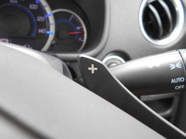 ステアリングにはパドルシフトを搭載!マニュアルモードに切り替えればスポーツドライビングの爽快感を楽しめます♪