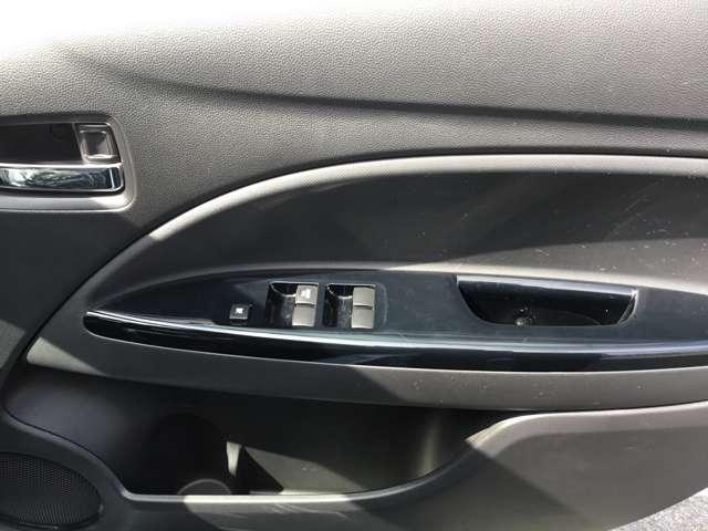 1.2G アイドリングストップ ディスチャージ スマートキー プッシュスタート プライバシーガラス オートエアコン 電動格納式ドアミラー 横滑り防止機能 オートライト 1年間走行距離無制限の中古車保証付き(9枚目)