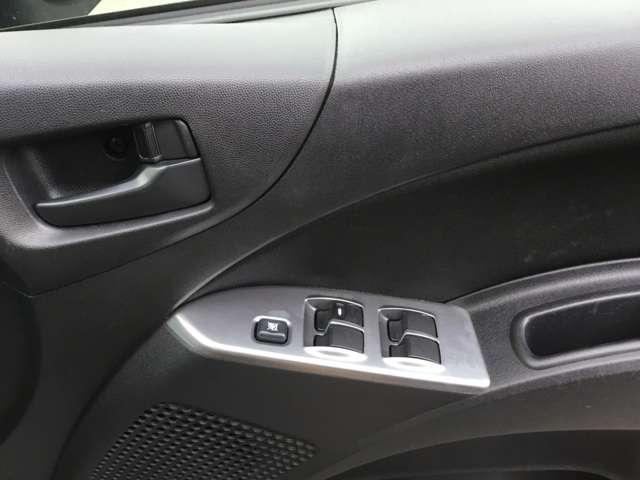 クールベリー ブラックインテリア キーレスエントリー 電動テールゲート ETC車載器 ベンチシート アームレスト 1年間走行距離無制限の中古車保証付き(有償となりますが1年又は2年間の保証の延長も可能です)(9枚目)