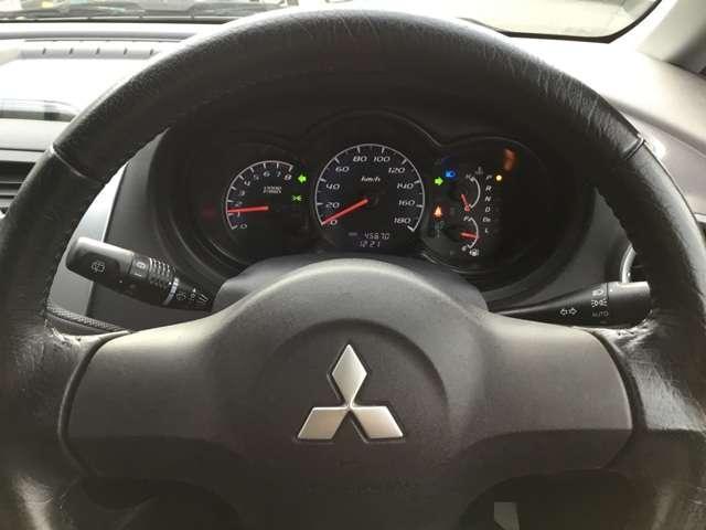クールベリー ブラックインテリア キーレスエントリー 電動テールゲート ETC車載器 ベンチシート アームレスト 1年間走行距離無制限の中古車保証付き(有償となりますが1年又は2年間の保証の延長も可能です)(16枚目)