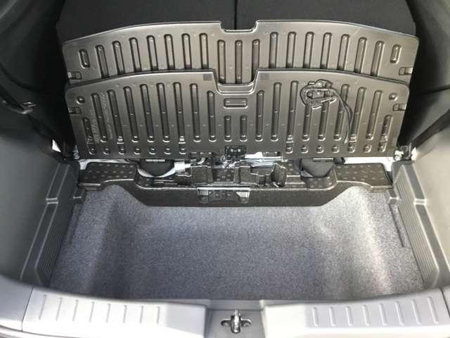 G 届出済み未使用(レンタカー登録の為に2年車検となります)スマートキー プッシュスタート 衝突被害軽減ブレーキ タッチパネル式オートエアコン シートヒーター LEDヘッドライト フロントフォグランプ(7枚目)