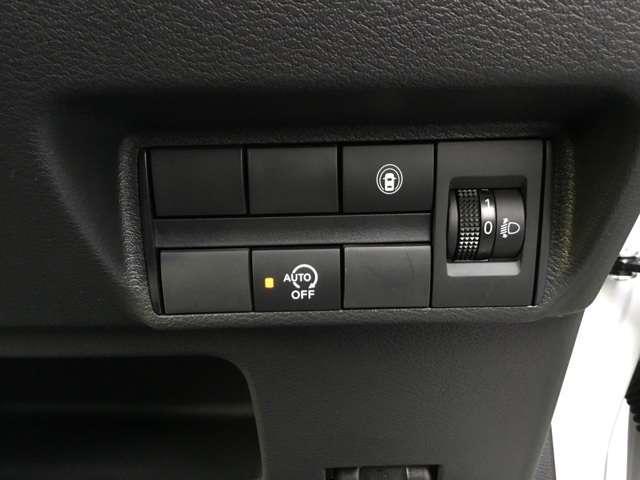 G 届出済み未使用(レンタカー登録の為に2年車検となります)スマートキー プッシュスタート 衝突被害軽減ブレーキ タッチパネル式オートエアコン シートヒーター LEDヘッドライト フロントフォグランプ(9枚目)