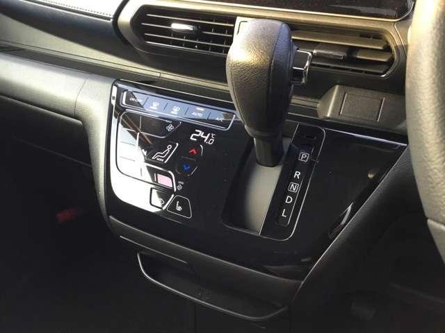 G 届出済み未使用(レンタカー登録の為に2年車検となります)スマートキー プッシュスタート 衝突被害軽減ブレーキ タッチパネル式オートエアコン シートヒーター LEDヘッドライト フロントフォグランプ(11枚目)