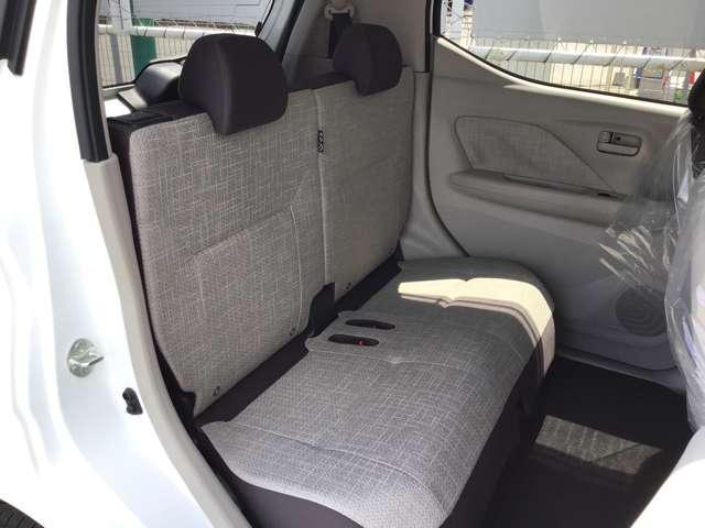 M プライバシーガラス 衝突被害軽減ブレーキ 4WD プライバシーガラス ベンチシート シートヒーター 1年間走行距離無制限の中古車保証付き(有償となりますが1年又は2年間の保証の延長も可能です。)(11枚目)