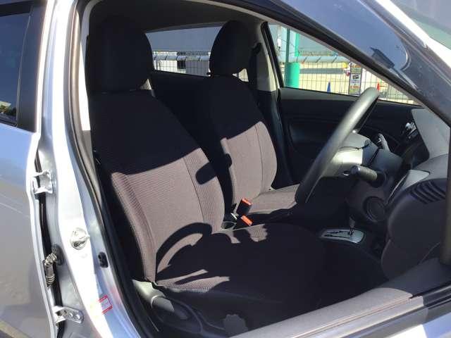 G スマートキー プッシュスタート アイドリングストップ オートエアコン プライバシーガラス リアワイパー オートライト 1年間走行距離無制限の中古車保証付き(1年又は2年間の保証の延長も可能です。)(10枚目)