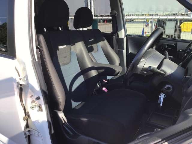 ロアコンプリートR ターボ付き レカロシート ロアエアロ仕様 キーレスエントリー プライバシーガラス リアワイパー 電動格納ドアミラー 1年間走行距離無制限の中古車保証付き(1年又は2年間の保証の延長も可能です。)(10枚目)