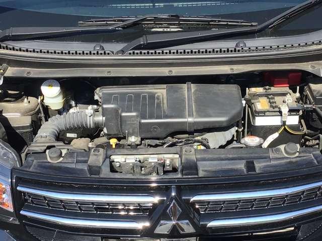 M キーレスエントリー アイドリングストップ タッチパネル式オートエアコン プライバシーガラス リアワイパー ベンチシート シートヒーター 1年間走行距離無制限の中古車保証付き(1年又は2年間の延長も可)(17枚目)