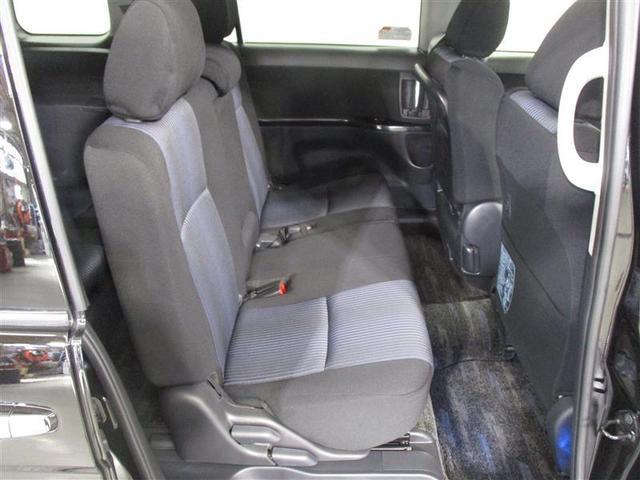 リヤシートもスライド/リクライニングしてくれます!快適な移動空間で同乗者も満足間違いなし!