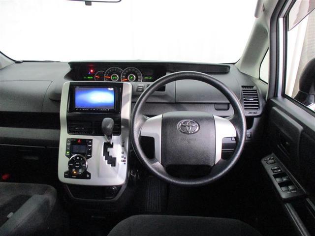 トヨタ ヴォクシー X 4WD 寒冷地仕様 メモリーナビ