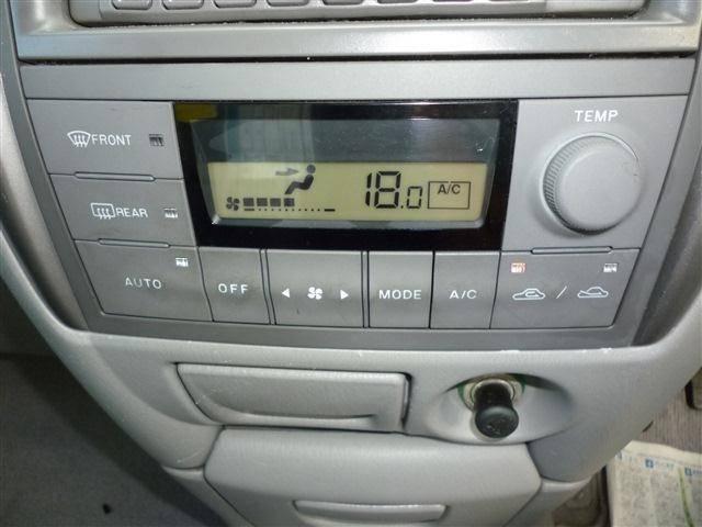ベースグレード 4WD 純正ナビ CD キーレス ABS(18枚目)