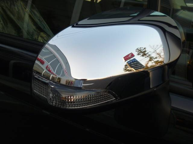 トヨタ スペイド F4WD電動スライドドア 未使用車