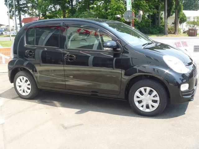 トヨタ パッソ プラスハナ 4WD キーレス 登録済未使用車