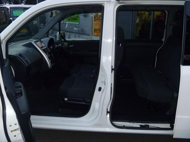ホンダ モビリオスパイク AU HDDナビアクティブエディション4WD