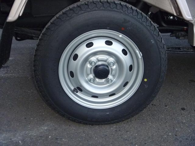 ダイハツ ハイゼットトラック スタンダード4WD エアコン パワステ CD 未使用車