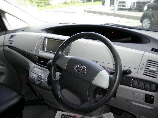 トヨタ エスティマ アエラス4WD 電動スライドドア ナビ7人乗りオットマン