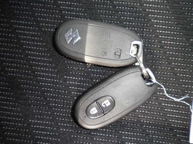 スズキ ワゴンR FXリミテッド 4WD 届出済未使用車 スマートキー