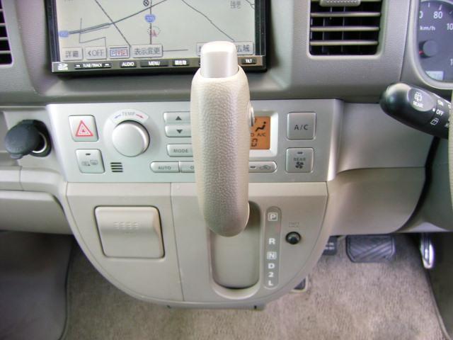 スズキ エブリイワゴン 4WD 両側パワースライドドア オートステップ