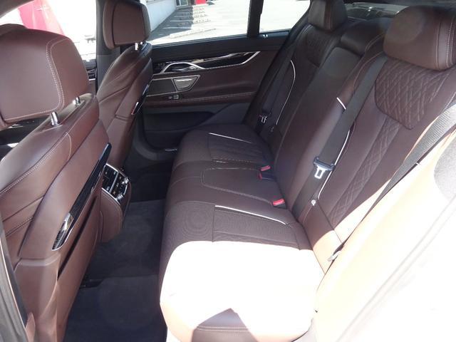 740d xDrive Mスポーツ 4WD 1オーナー ディーゼル 純正HDDナビ フルセグTV 全方位モニター ブラウンレザーシート サンルーフ インテリジェントセーフティ シートヒーター LEDヘッドライト ドラレコ ETC(7枚目)