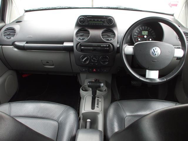 フォルクスワーゲン VW ニュービートル ベースグレード 革シート 純正HDDナビ
