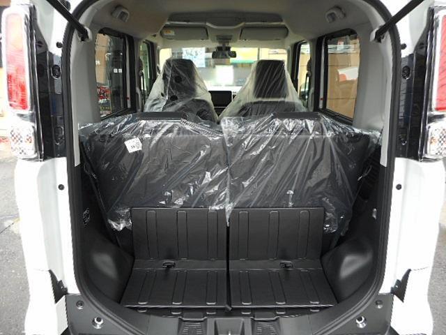 ハイブリッドXZ ターボ 4WD 届出済未使用車 両側電動(13枚目)