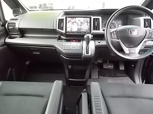 Z クールスピリット 4WD 両側電動スライド 9インチナビ バックカメラ(3枚目)