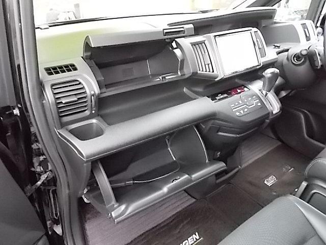 Z クールスピリット 4WD 両側電動スライド 9インチナビ バックカメラ(19枚目)