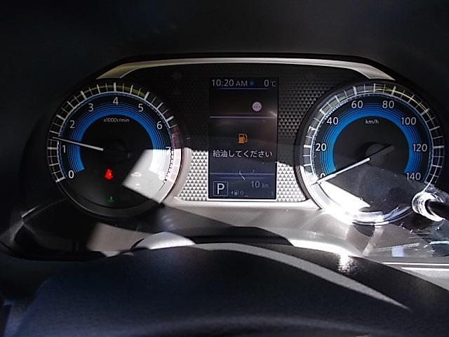 X 4WD 届出済未使用車 アラウンドビューモニター ハンズフリーオートスライドドア プッシュスタート シートヒーター(4枚目)