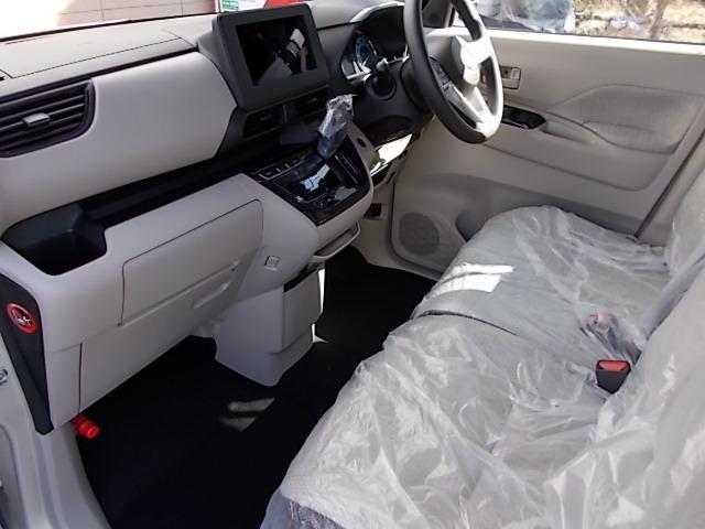 X 4WD 届出済未使用車 アラウンドビューモニター ハンズフリーオートスライドドア プッシュスタート シートヒーター(16枚目)