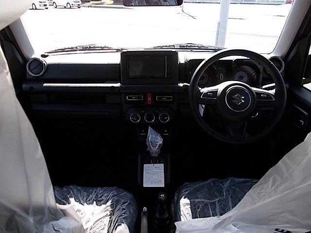 XC 4WD 届出済未使用車 SDナビ フルセグTV マット&バイザー ガラスコーティング(3枚目)