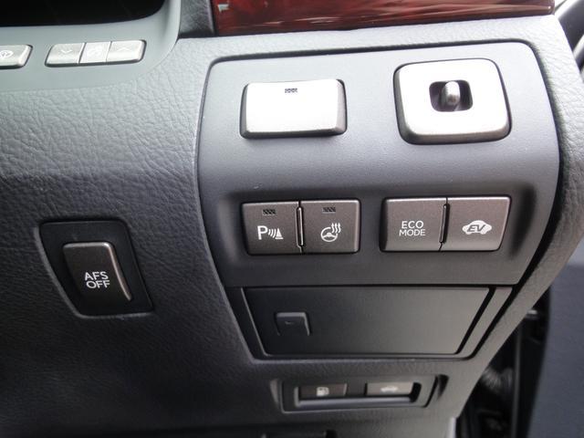 LS600h バージョンU 4WD 純正ナビTV(18枚目)