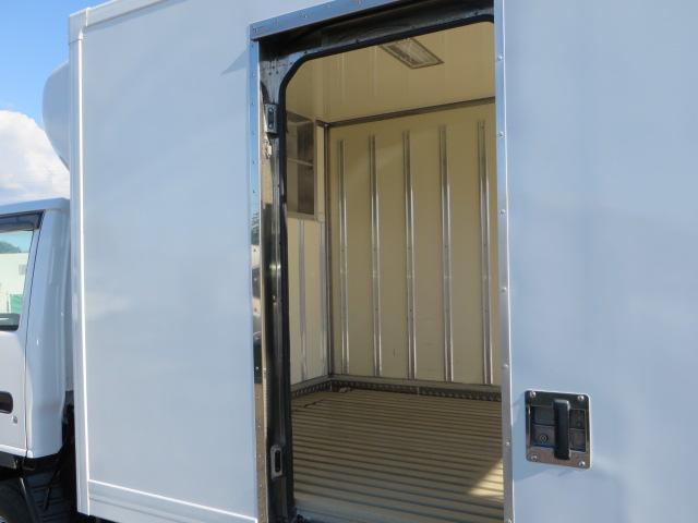 いすゞ エルフトラック ワイドロング 冷凍冷蔵 外装再仕上済み 4WD