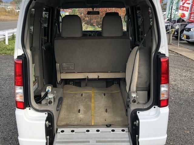 車椅子移動車 後席付 4WD(15枚目)