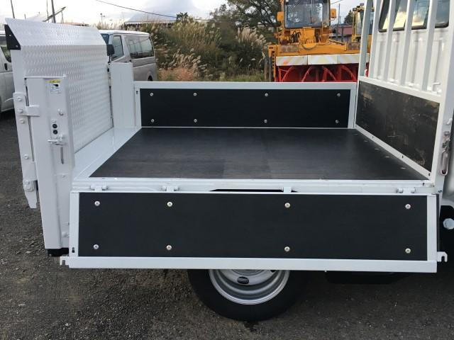 Wキャブ 極東垂直パワーゲート 積載1900kg 4WD(8枚目)