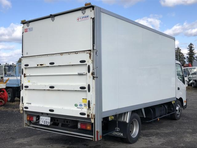 便利なパワーゲート付き積載3000kg荷台内寸198cm横幅207.5cm438.5cmです♪