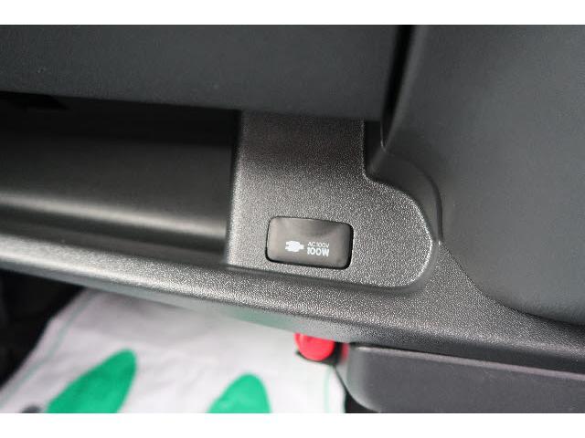 トヨタ レジアスエースバン 4WD S-GL ダークプライムII 登録済未使用車