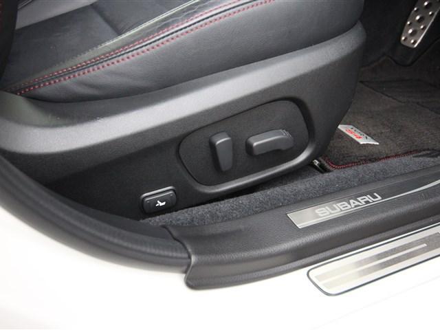 4WD 2.0GT-Sアイサイト DIATONEサウンドナビ(8枚目)