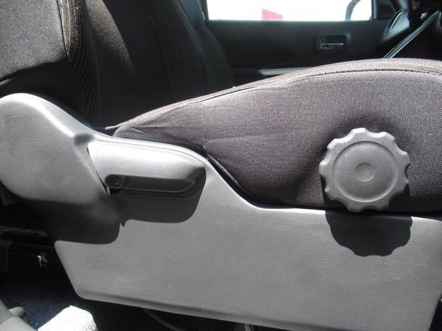 G カスタム/4WD/社外ナビ(フルセグTV/DVD/Bluetooth)/インナーミラーバックカメラ/両側パワースライドドア/HIDヘッドライト/横滑り防止装置/アイドリングストップ/スマートキー(16枚目)