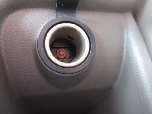 4WD / 純正CDデッキ / シートヒーター / ミラーヒーター / キーレスエントリー / ライトレベライザー(13枚目)