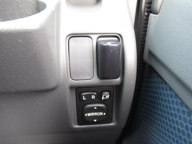 クルーズ 4WD ワンオーナー 禁煙車 純正ワンセグナビ バックカメラ ETC(8枚目)