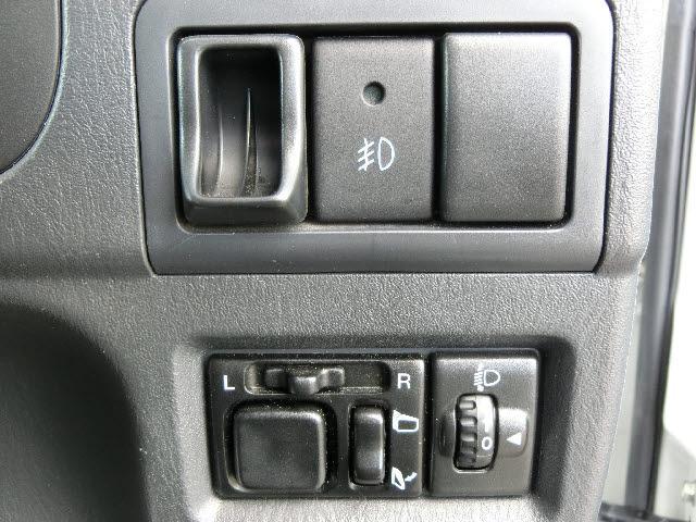 4WD ワイルドウィンド ケンウッド製CD 5速マニュアル(11枚目)