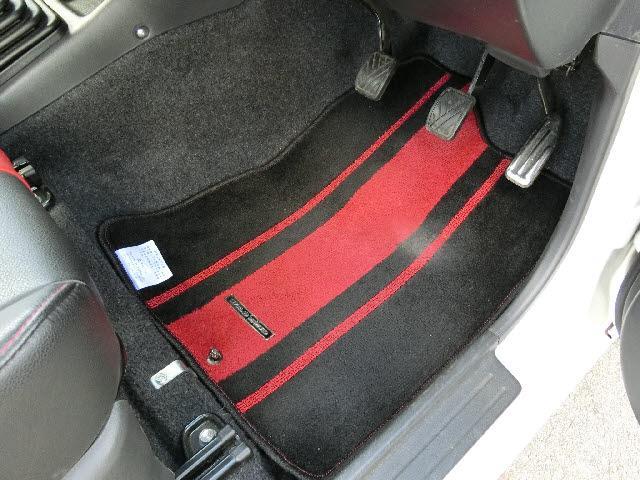 4WD ワイルドウィンド ケンウッド製CD 5速マニュアル(13枚目)