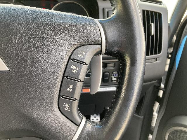 ローデスト G プレミアム 4WD ロックフォードサウンド 純正メモリーナビ フルセグ CD/DVD再生 フリップダウンモニター フロント&バック&サイドカメラ クルコン 両側パワスラ パワーバックドア ETC パドルシフト(10枚目)