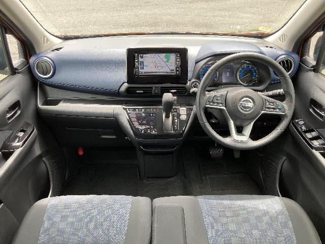 ハイウェイスター X プロパイロットエディション 4WD 純正メモリーナビ 衝突軽減装置 車線逸脱警報 誤発進抑制 コーナーセンサー レーンアシスト レーダークルコン 全方位モニター LEDオートライト パワーパーキング パーキングホールド(3枚目)